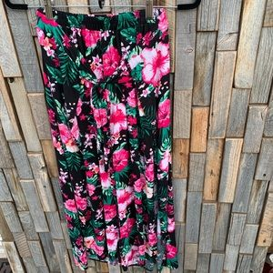 Woman's faux wrap tropical cropped pants small.F14